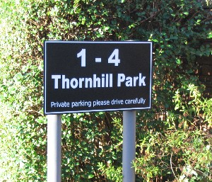 Thornhill Park Sign